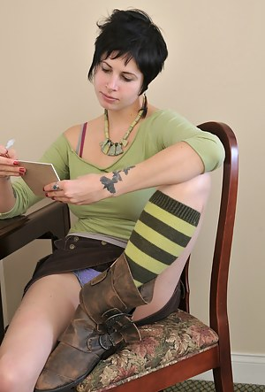 Naked Emo Teen Porn Pictures