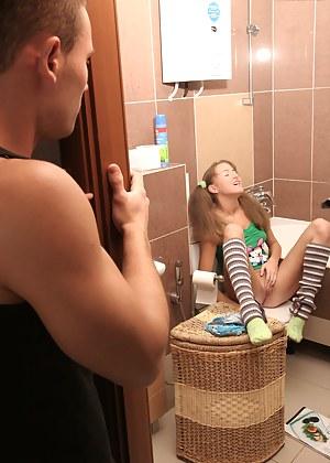 Naked Teen Voyeur Porn Pictures