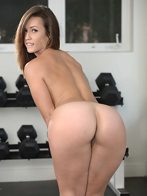Naked Teen Gym Porn Pictures