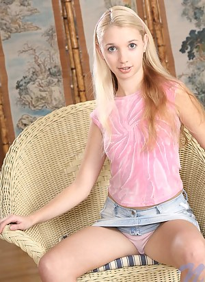 Naked Teen Upskirt Porn Pictures